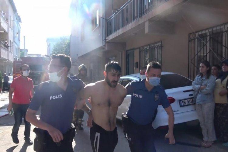 Bursa'da önce evi yaktı, sonra polise satır ve bıçakla direndi