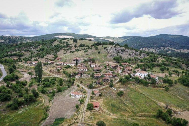 Bursa'da terk ettikleri köye yıllar sonra dönen vatandaşlar geçmişi özlüyor