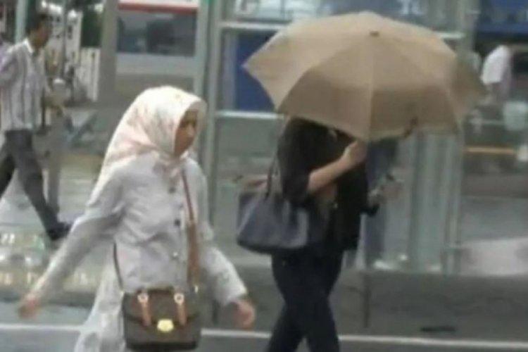 İstanbul'da sağanak yağış ve dolu bastırdı!