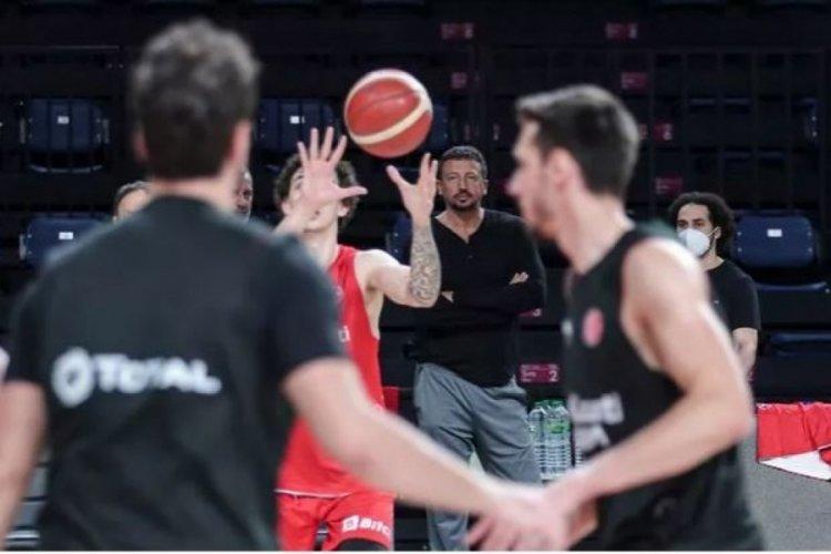 Hidayet Türkoğlu, A Milli Erkek Basketbol Takımı'nın antrenmanına katıldı