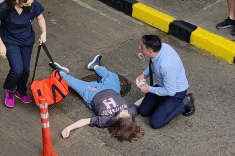 Genç kız, AVM terasından aşağı atladı!