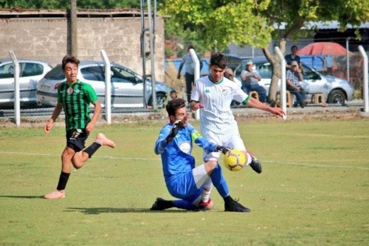 Bursaspor U19 Takımı, Akhisarspor karşısında galibiyetle ayrıldı