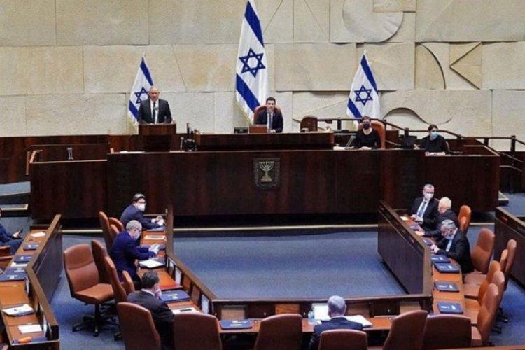 İsrail'de yeni hükümet bugün belli oluyor
