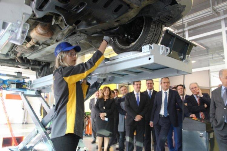Bursa OİB Meslek, Türkiye'nin otomobilini üretecek öğrencileri bekliyor