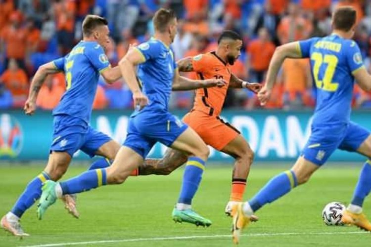 Hollanda-Ukrayna maçında, kazanan Hollanda oldu