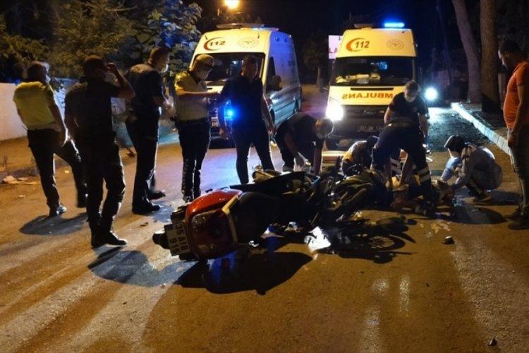İki motosikletli kaza yaptı: Durumları ağır