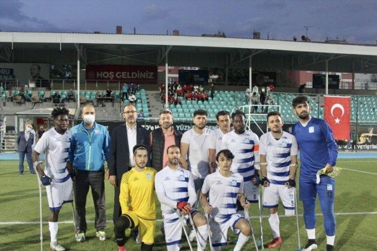 Bakan Kasapoğlu, Ampute Futbol Süper Ligi maçını izledi