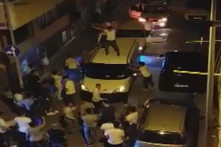 Asker eğlencesinde hem dans etti, hem tabanca ateşledi
