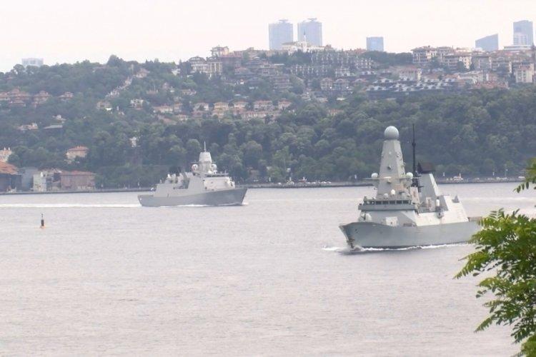 İngiliz ve Hollanda savaş gemileri İstanbul Boğazı'ndan geçti