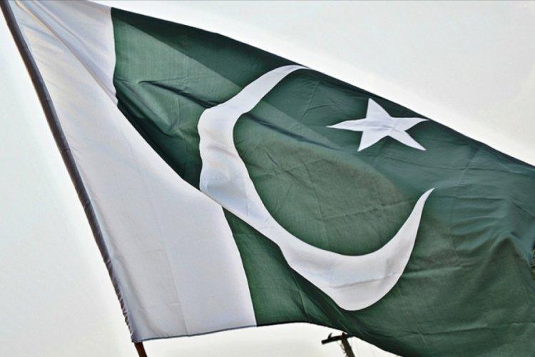 Pakistan'da teröristlerin düzenlediği bombalı saldırıda 4 asker öldü