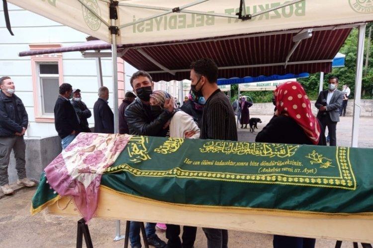 Kazada hayatını kaybeden Büşra öğretmen son yolculuğuna uğurlandı