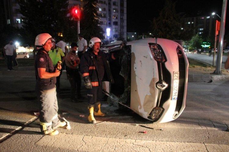 16 yaşındaki sürücü kaza yaptı