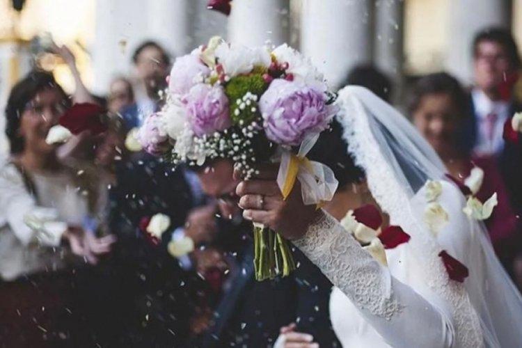 Düğünlerde yeni dönem! Kısıtlamalar esnetildi