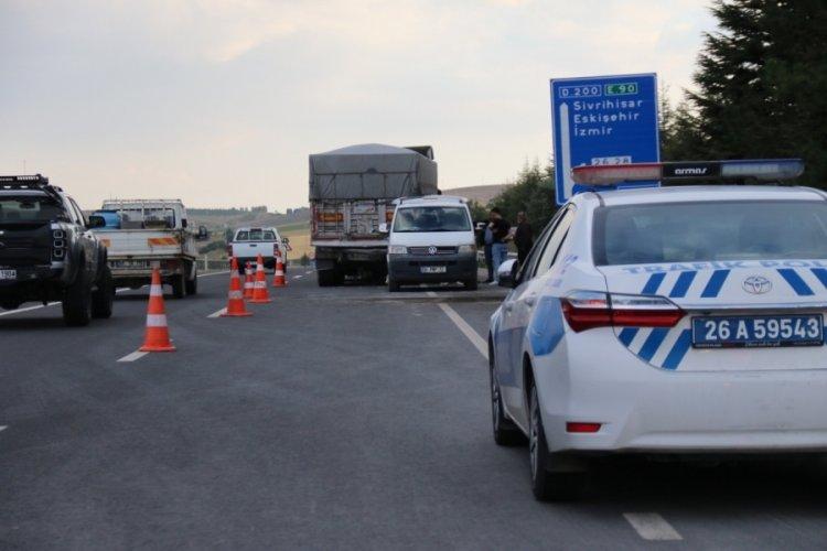 Eskişehir'de tır kazası: Anne ve kız hayatını kaybetti