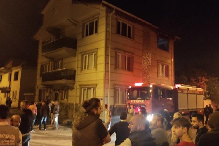 Bursa Kestel'de 3 katlı binada korkutan yangın