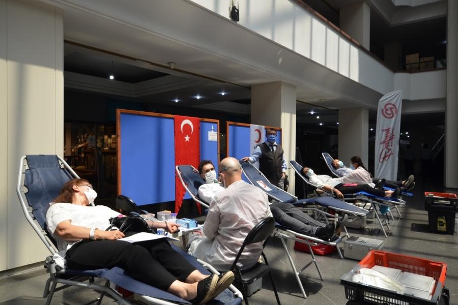 Bursa Uluslararası Tekstil ve Ticaret Merkezi sakinleri kan bağışı için seferber oldu