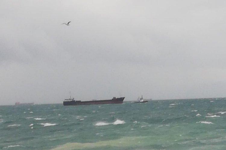 Panama bayraklı kargo gemisi sürüklendi
