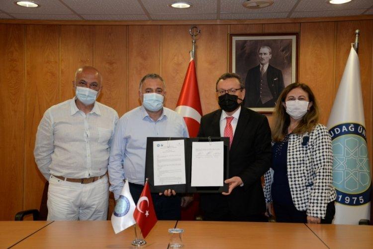 Özçolak Harası'ndan, Bursa Uludağ Üniversitesi Atçılık Meslek Yüksekokulu'na destek
