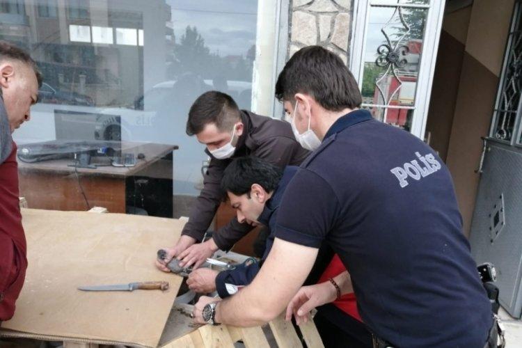 Polisten görülmemiş kurtarma operasyonu