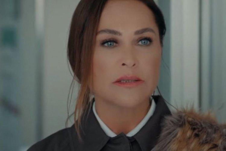 Hülya Avşar'dan siyah bikinili paylaşım
