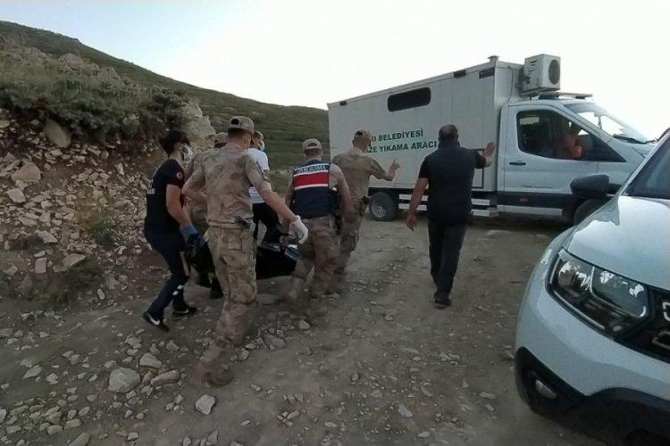 Kayıp gencin cesedi baraj kenarında bulundu
