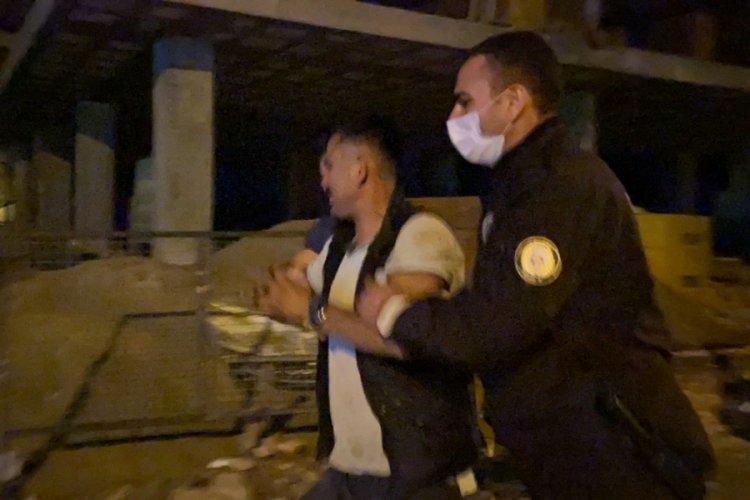 Bursa'da polise yakalanan hırsız 'ben yapmadım' diyerek ağladı