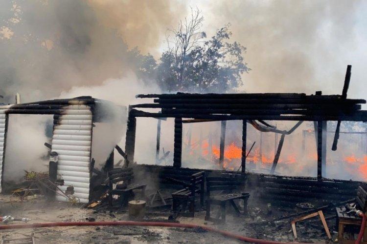 Kafeteryada çıkan yangın itfaiye ekiplerince söndürüldü
