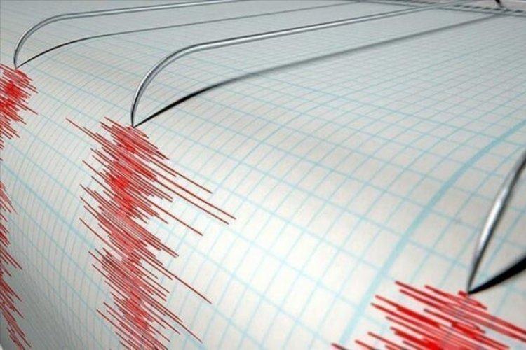 İstanbul'da deprem oldu! Bursa da sallandı