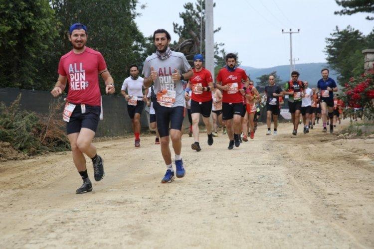 Bursa Dağyenice Ultra Maratonu'na bin sporcu katıldı