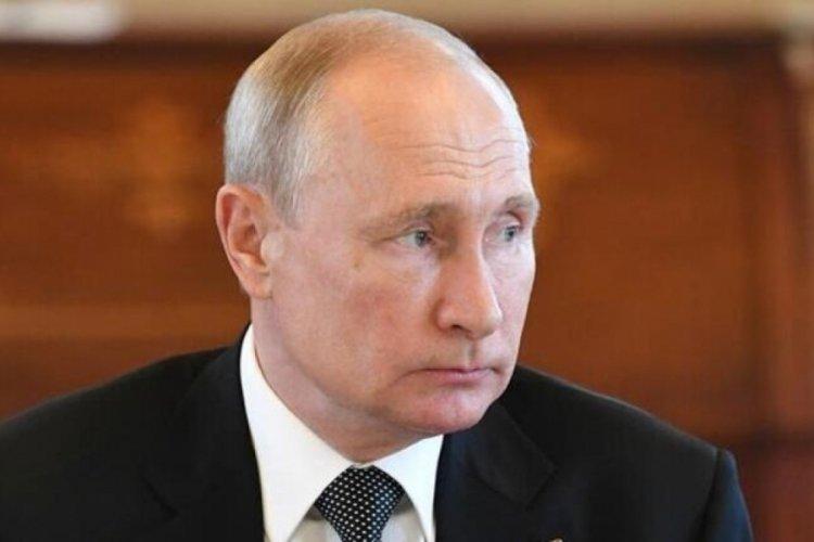 Putin, İran'da cumhurbaşkanlığı seçimlerini kazanan Reisi'yi tebrik etti