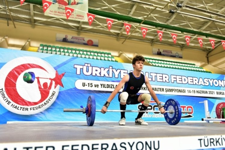 Bursa'da halter rüzgarı esti!