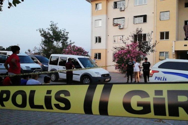 Adana'da pompalı komşu cinayeti!