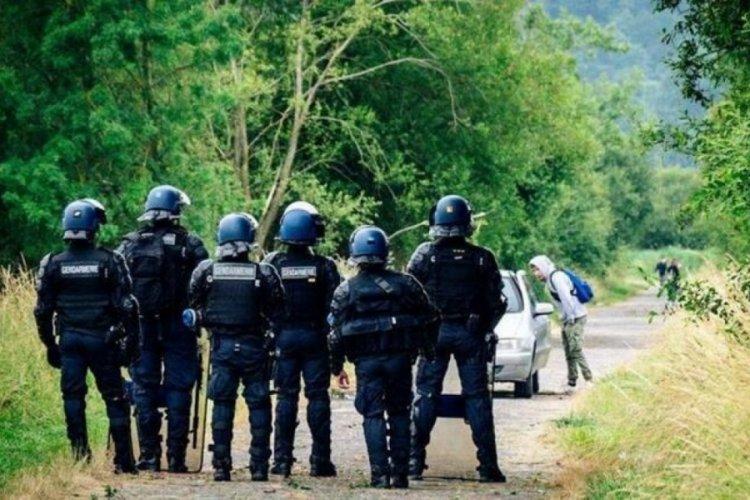 Fransa'da 1500 kişilik yasa dışı partiyi polis bastı