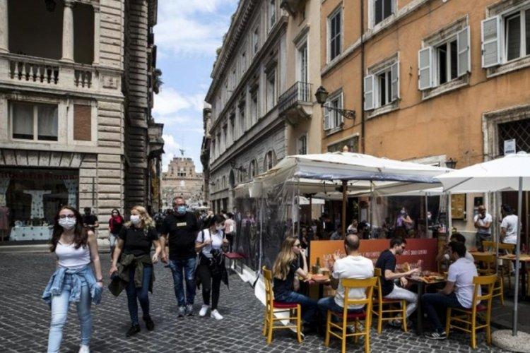 İtalya'da 881 yeni vaka