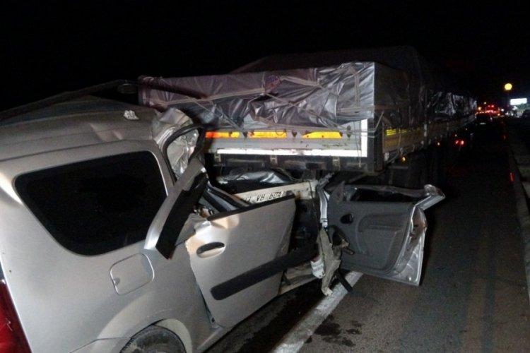 Tıra çarpan alkollü sürücü hayatını kaybetti
