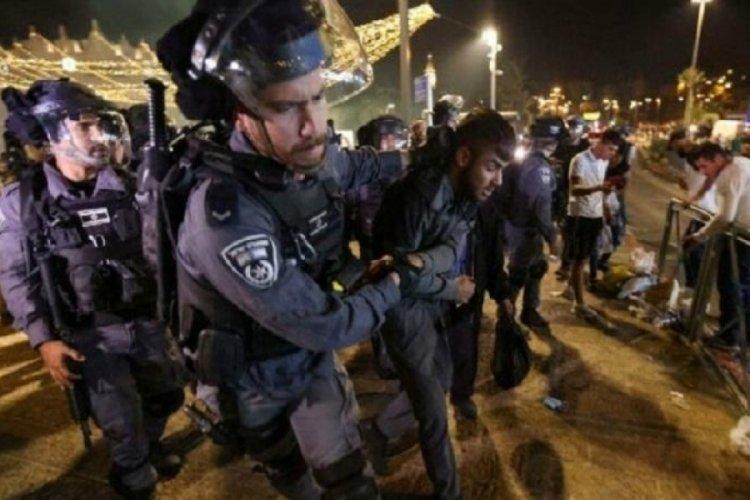 İsrail polisi, Kudüs'te Filistinlilere yine saldırdı