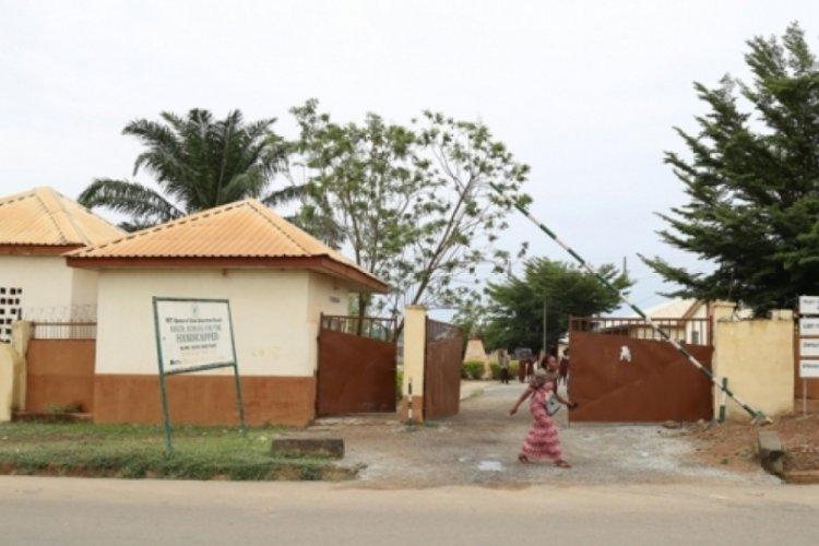 Onlarca öğrencinin kaçırıldığı Nijerya'da 7 okul kapandı