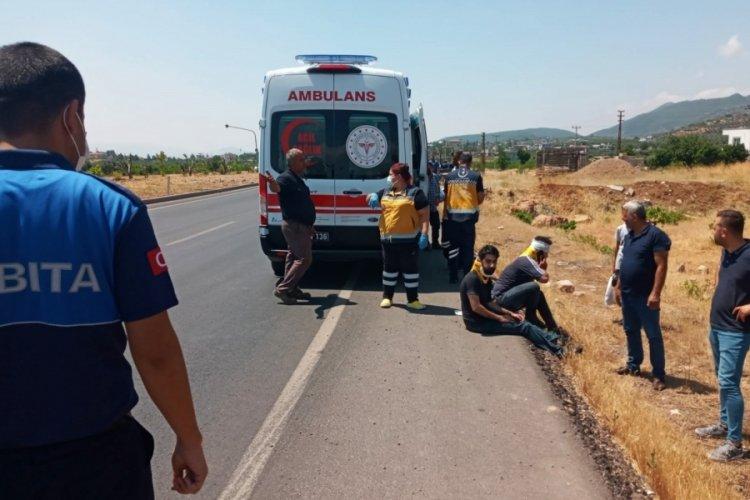 Süt kamyoneti ile TIR çarpıştı: 4 yaralı
