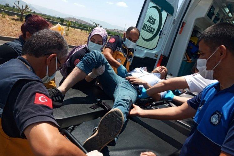 Gaziantep'te süt kamyoneti ile TIR çarpıştı: 4 yaralı
