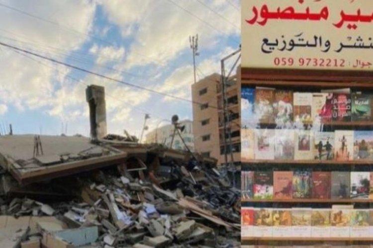 İsrail saldırılarında dükkanı yıkılan kitapçıya 200 bin dolar bağış