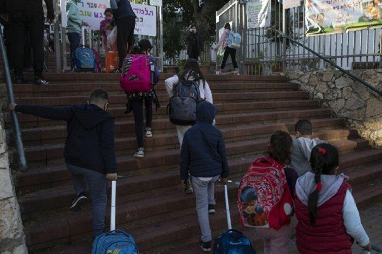 İsrail'de Delta varyantı nedeniyle okullarda vakalar artıyor