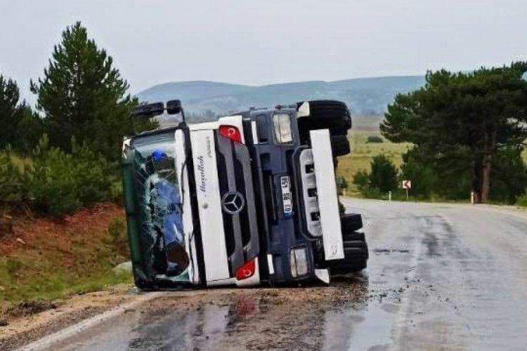 Eskişehir'de şiddetli yağış kaza getirdi