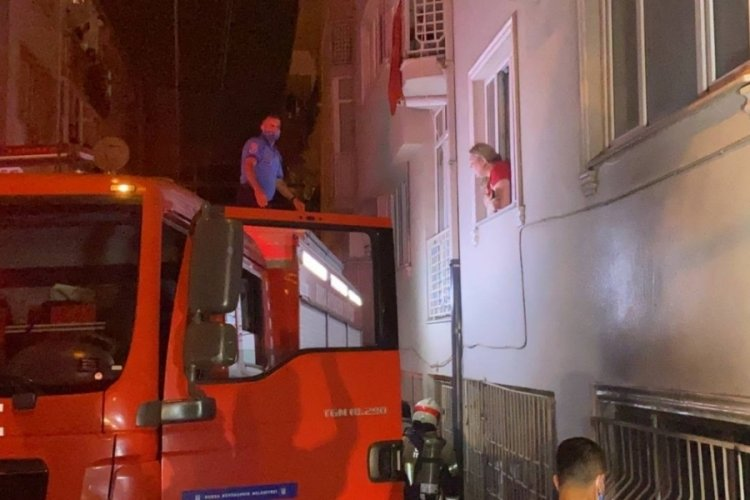 Bursa'da 6 katlı binada yangın