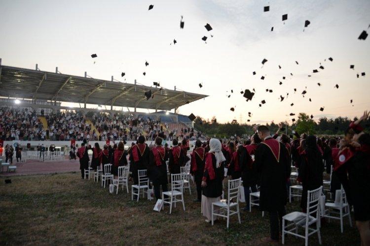Sağlık ordusunun yeni neferleri Bursa Uludağ Üniversitesi'nden mezun oldu