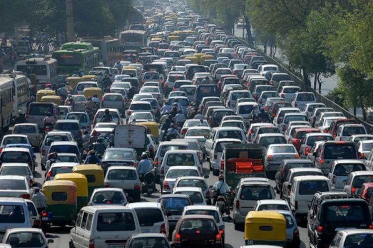 Yurt genelindeki 2 günlük hız denetimlerinde 15 bin 602 araç ve sürücüye idari işlem