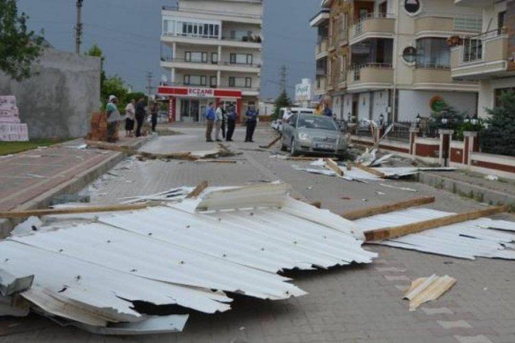 Çanakkale'de fırtına hayatı olumsuz etkiledi