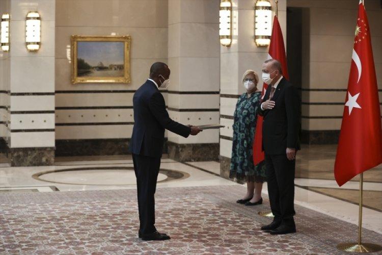 Ruanda'nın Ankara Büyükelçisi Mironko, Erdoğan'a güven mektubu sundu