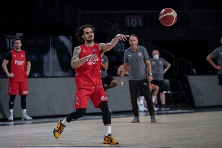 A Milli Basketbol Takımı'nda Shane Larkin kadrodan çıkartıldı