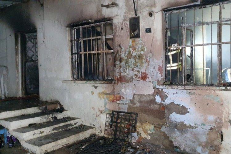Müstakil evde yangın: Bir kişi öldü