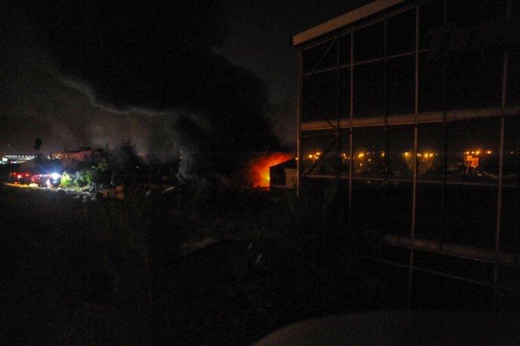 Cam fabrikasında korkutan yangın